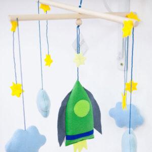 diebuntique-baby-mobile-weltall-rakete-04